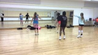 getlinkyoutube.com-Group 2 Boom Clap Dance