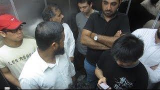 getlinkyoutube.com-Elevator Farts in Saudi - مقلب الضراط في المصعد