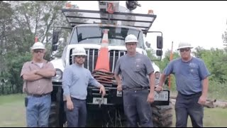 getlinkyoutube.com-Day in the Life of a Lineman 2016