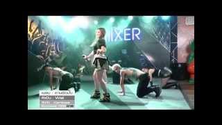 getlinkyoutube.com-ถามผิดมั้ง - Waii Live Show @The Mixer You Channel