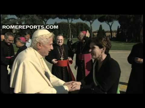 Pope thanks Castel Gandolfo residents for warm welcome