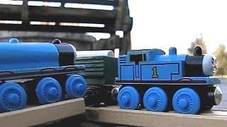 getlinkyoutube.com-Thomas the Tank Engine - Gordon Crashes into Thomas in Slow Motion