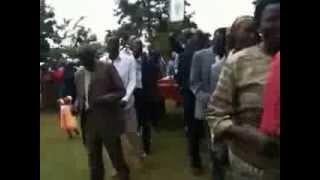 getlinkyoutube.com-Celebrating Mass in kisii culture.