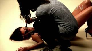 getlinkyoutube.com-Making Of - Alinne Moraes para Un.i Lingerie Verão 2011