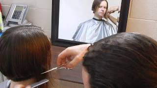 getlinkyoutube.com-Dramatic Long to bob to pixie haircut in stages