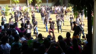 getlinkyoutube.com-Birla College Flash Mob 2013- The Zenith Culture