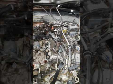 Где находится прокладка головки блока цилиндров в Лексус LX570
