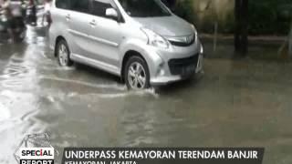 getlinkyoutube.com-Underpass Kemayoran terendam banjir, tidak bisa dilalui semua jenis kendaraan - Special Report 22/02