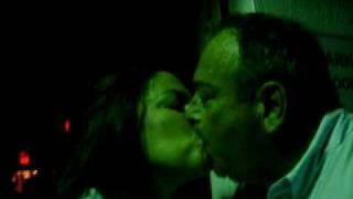getlinkyoutube.com-Besos de viejos amigos
