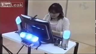 getlinkyoutube.com-كاميرا خفية يابانية   قمة الضحك ! camera cache japonaise   h