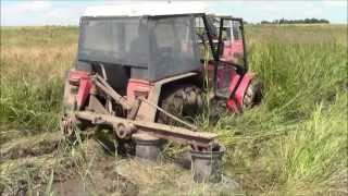getlinkyoutube.com-Zetor 7245 zapadnul do bahna