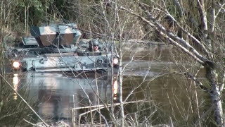 getlinkyoutube.com-M113 na lama!