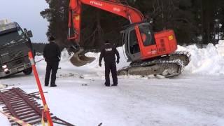 getlinkyoutube.com-Ähtäri 2.3.2013 Uponneen Kuorma-auton hinaus - Truck Falls through Ice - Ice Road Truckers