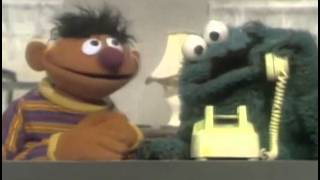 getlinkyoutube.com-Classic Sesame Street - Cookie Monster calls his mother on Ernie's telephone