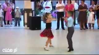 getlinkyoutube.com-رقص بسیار زیبای 2 کودک در عروسی.