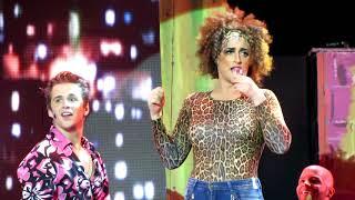 getlinkyoutube.com-220 Volts no Teatro - Porto Alegre - Teatro do Bourbon Country