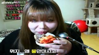 getlinkyoutube.com-왕쥬는 다이어트중에 보쌈을 먹을것인가 말것인가 meokbang