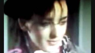 getlinkyoutube.com-Funny clips Boy George :)