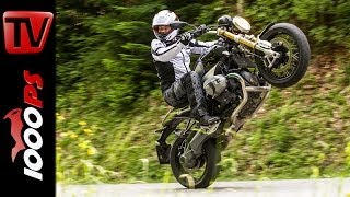 getlinkyoutube.com-BMW R nineT - Test | 5 Meinungen - 1 Bike | Stunts, Action, Sound