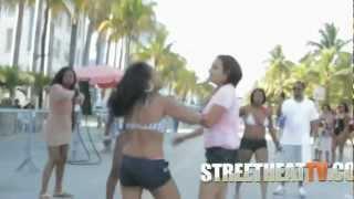 getlinkyoutube.com-Huge Fight Breaks Out After Dude Grinds On a Girl
