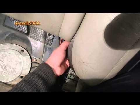 Volvo 80 снимаем боковые накладки задних сидений
