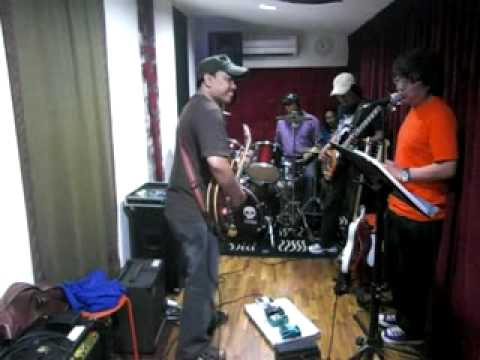 Rossa - Hati Yang Kau Sakiti - (cover) Sangap Band feat NightRaid Band