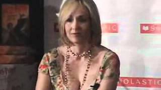 getlinkyoutube.com-J K Rowling shows off her bra