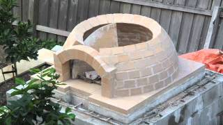 getlinkyoutube.com-Building a wood-fired pizza Oven