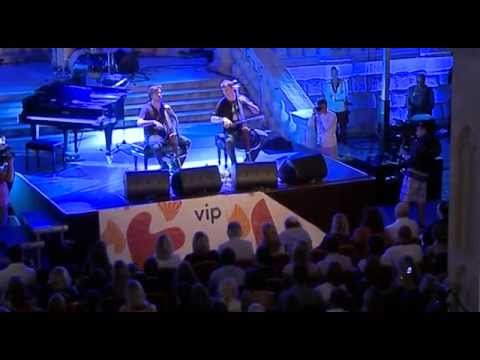 2CELLOS - Fields of Gold (Live)