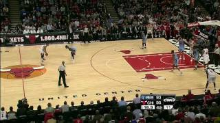 getlinkyoutube.com-Derrick Rose - The MVP - The Best Plays of 2010-2011