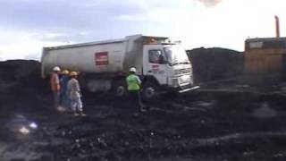 getlinkyoutube.com-Coal mine transports around Kalimantan