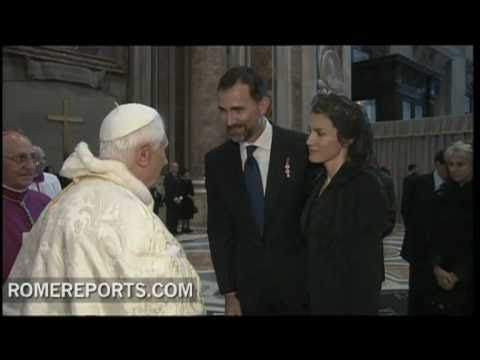 Pope greets different world leaders at beatification