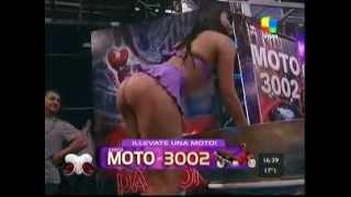 getlinkyoutube.com-Marcela Baños en Pasión de Sábado elogió la cola hot de bailarina - neofama.com