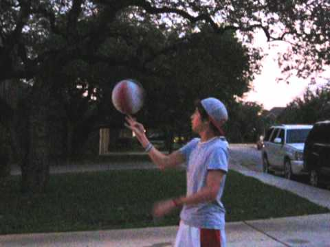 Austin Mahone - Basketball on a sugar rush!! :D May 16 Random vlog