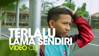 getlinkyoutube.com-Kunto Aji - Terlalu Lama Sendiri (Video Clip Cover)