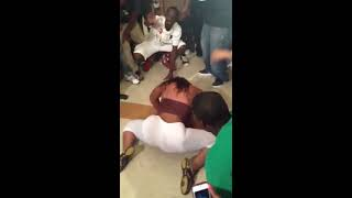 getlinkyoutube.com-WARZONE twerk battle