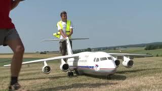getlinkyoutube.com-Giant BAe 146-300 Jumbolino unusual RC Airliner model