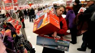 getlinkyoutube.com-Shoppers go crazy on Black Friday