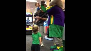 getlinkyoutube.com-Crosby with Chucky cheese, high five