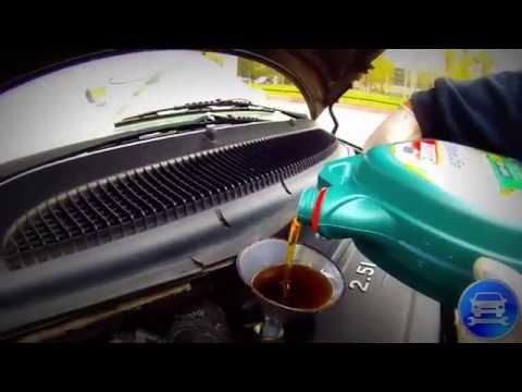 How to change the engine oil! Very simple   Как поменять масло в двигателе Проще простого