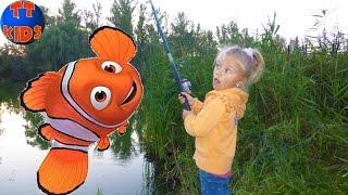getlinkyoutube.com-Hello Kitty РЫБАЛКА ДЛЯ ДЕТЕЙ Хелло Китти и Ярослава ловят рыбку для Барсика Видео для детей