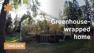 getlinkyoutube.com-Family wraps home in greenhouse to warm up Stockholm weather