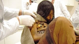 getlinkyoutube.com-500 years old Mummy of a Frozen Girl from the Incan Empire
