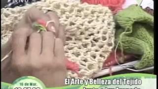 getlinkyoutube.com-Tejidos con Luz Araneda Poncho de lana