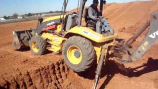 getlinkyoutube.com-A.C.T.  Dothan AL backhoe climbing out of the pit