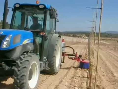 Herbicide aplicator with in row weeders automatic. Aplicador herbicidas intercepas.