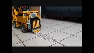 getlinkyoutube.com-Ramasseuse a boulette-Lego technic Ball harvester