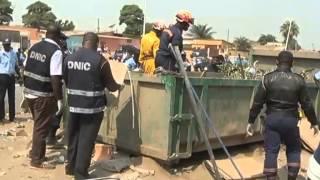 getlinkyoutube.com-Luanda:Jovem assassinado e colocado no contentor de lixo | TV Zimbo |