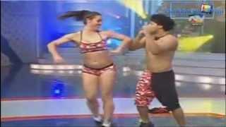 getlinkyoutube.com-COMBATE HD: Paloma le Baja el Short a Zumba