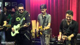 getlinkyoutube.com-6 Strings - Kisah Cintaku ~ Bendera @ Mostly Jazz 26/03/13 [HD]